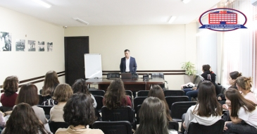 Clinical director of National Center of Surgery delivered a lecture about medicine to seniors in high school