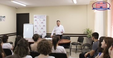 National Center of Surgery's clinical director delivered a lecture to pupils finishing high school